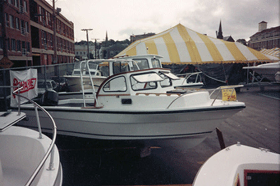 Romarine Boats 24' Sport Fish - Side View